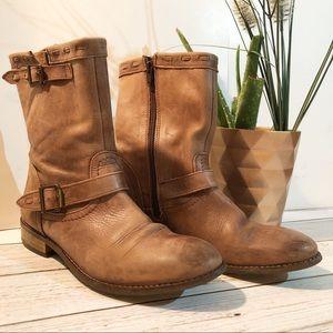 🍂Stunning J.JILL Distressed Leather Boots🍂
